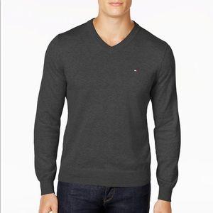 Tommy Hilfiger | NWT 100% Cotton V Neck Sweater